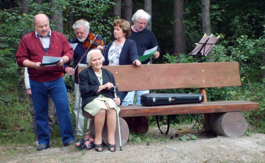 Free photo: Czech people singing