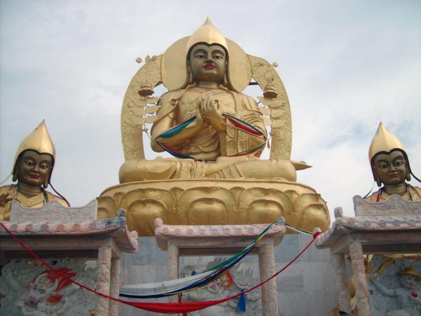 Free photo: Je Tsongkhapa statue