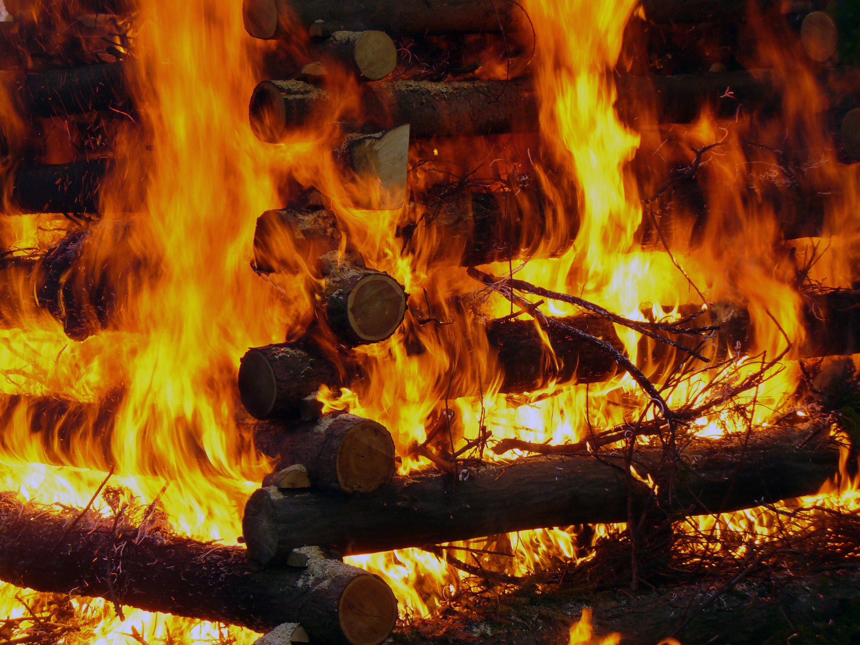 Burning wood free stock photos libreshot