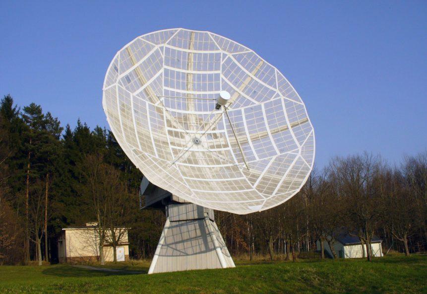 Free photo: White Radio Telescope