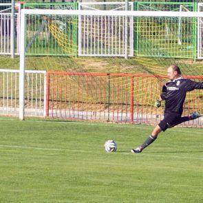 Goalkeeper kicking the ball