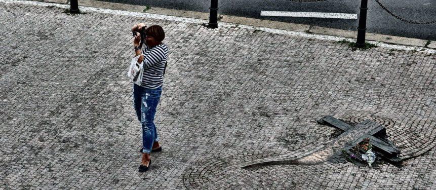 Free photo: Photographing tourist