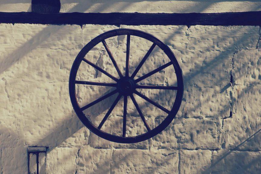Free photo: Farmhouse Wooden Wheel