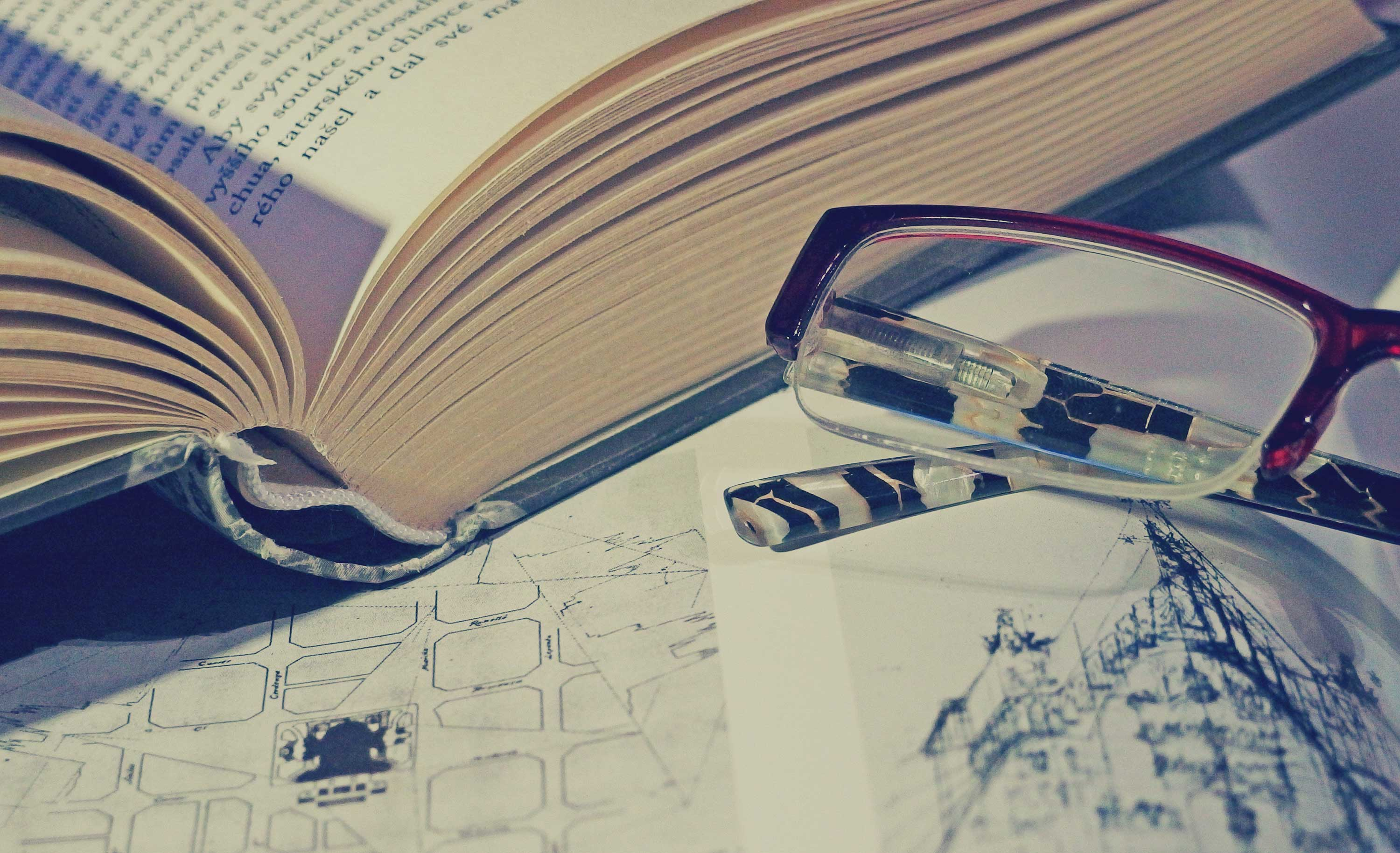 FREE IMAGE: Books and glasses - Libreshot Public Domain Photos