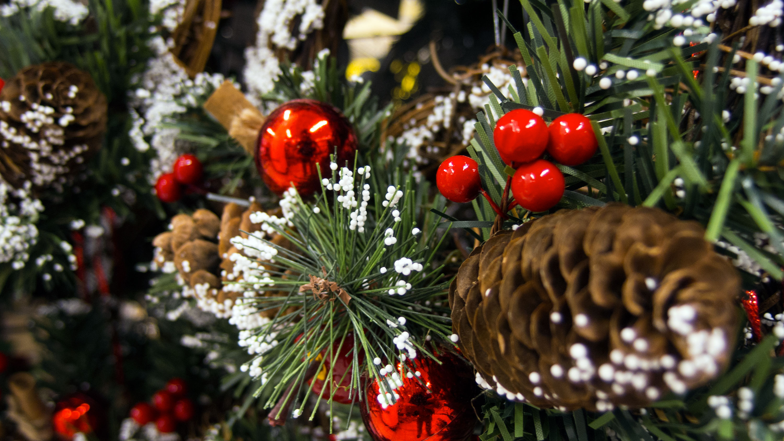 free image: christmas tree decorations | libreshot public domain photos