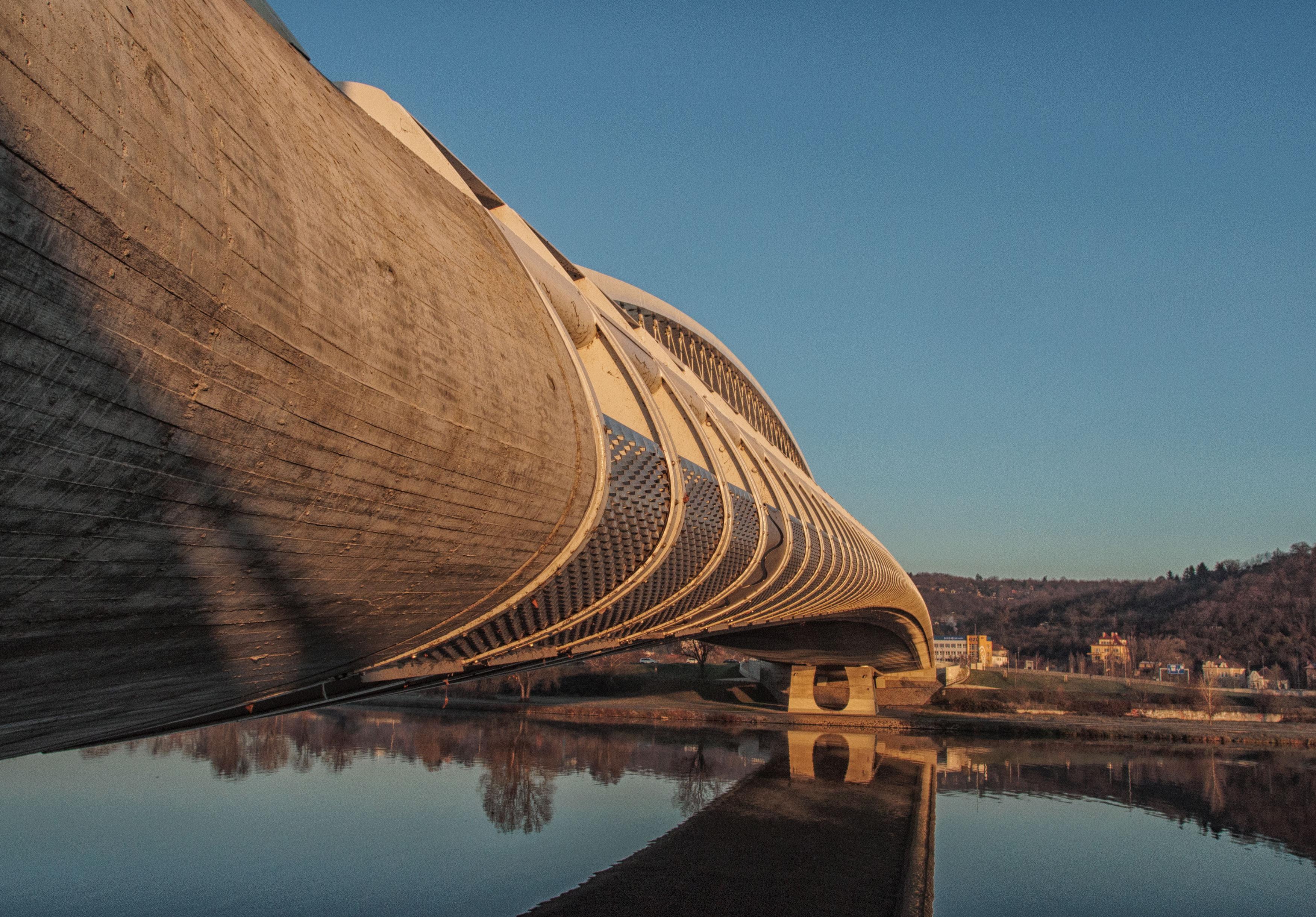 Modern Bridge in Prague - FREE image on LibreShot