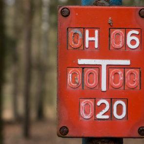 Hydrant identifier sign