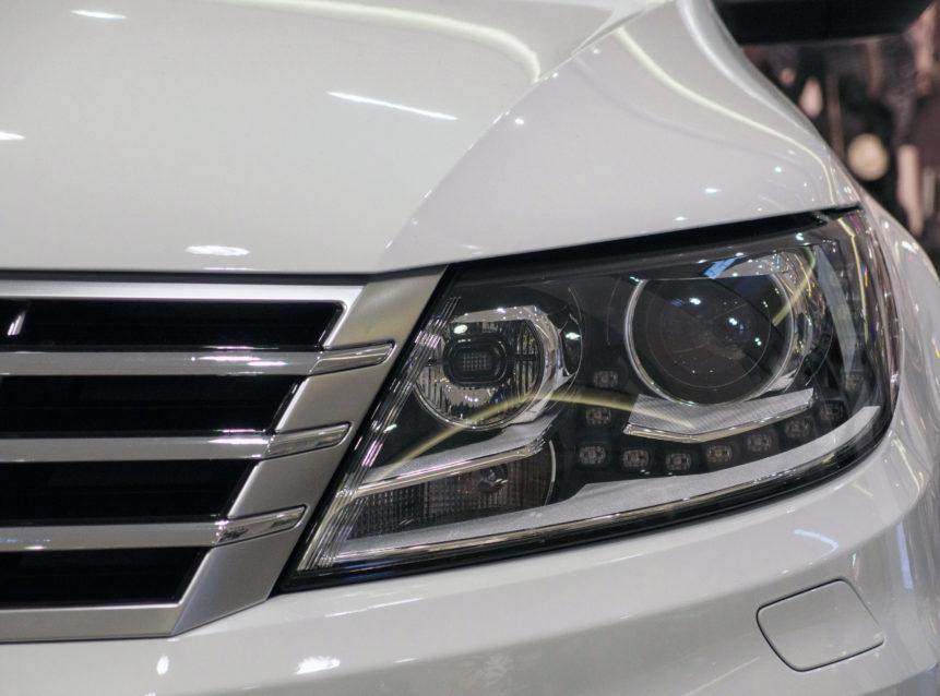 Car light detail photo