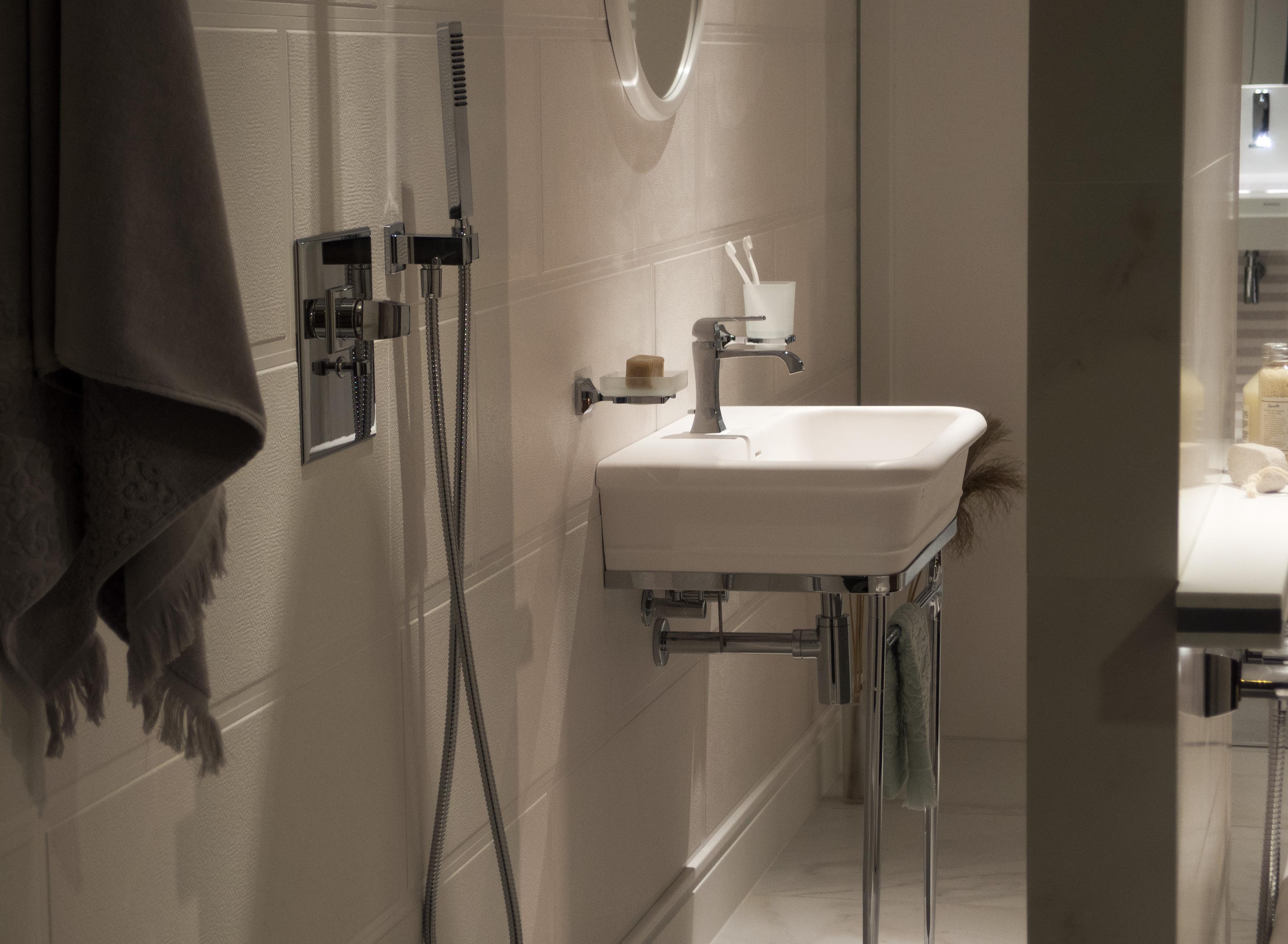 Free Image Sink In Bathroom