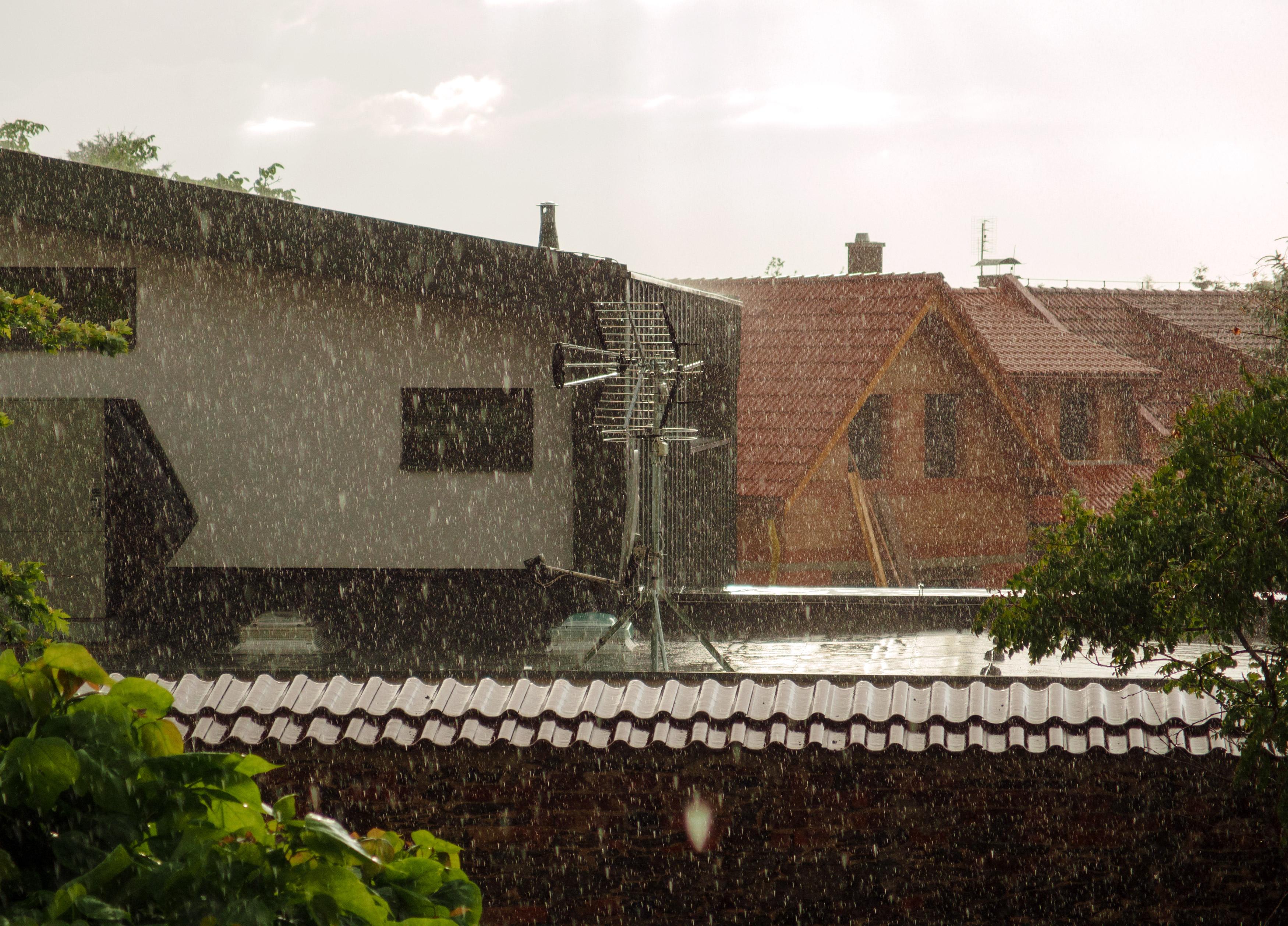 https://libreshot.com/wp-content/uploads/2017/04/rain-and-houses.jpg