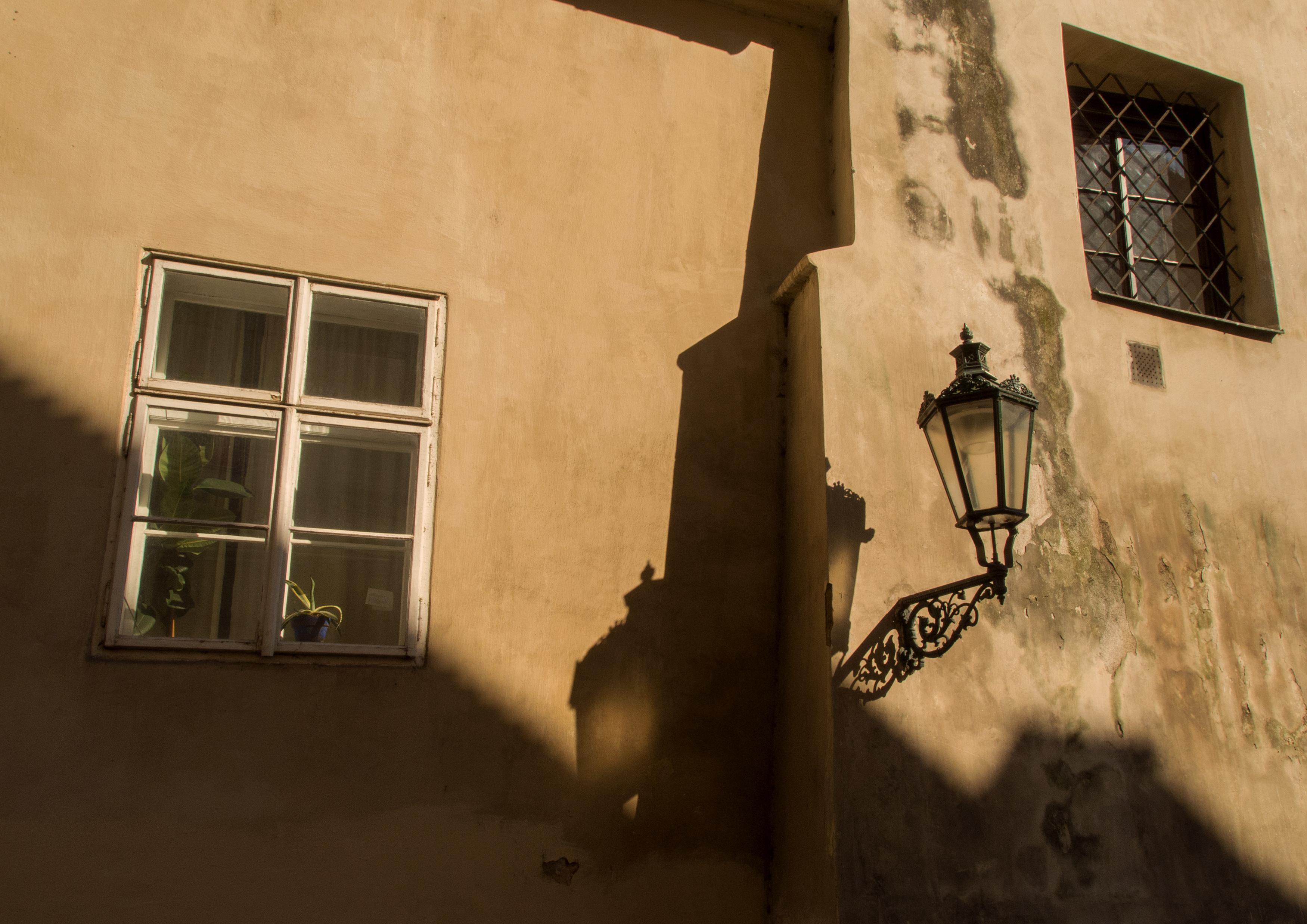 FREE IMAGE: Prague Street Lamp - Libreshot Public Domain Photos