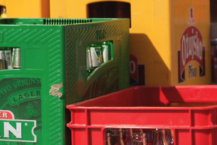 Beverage crates
