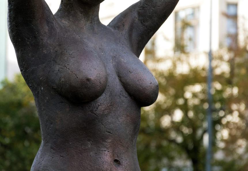 woman body symbol statue