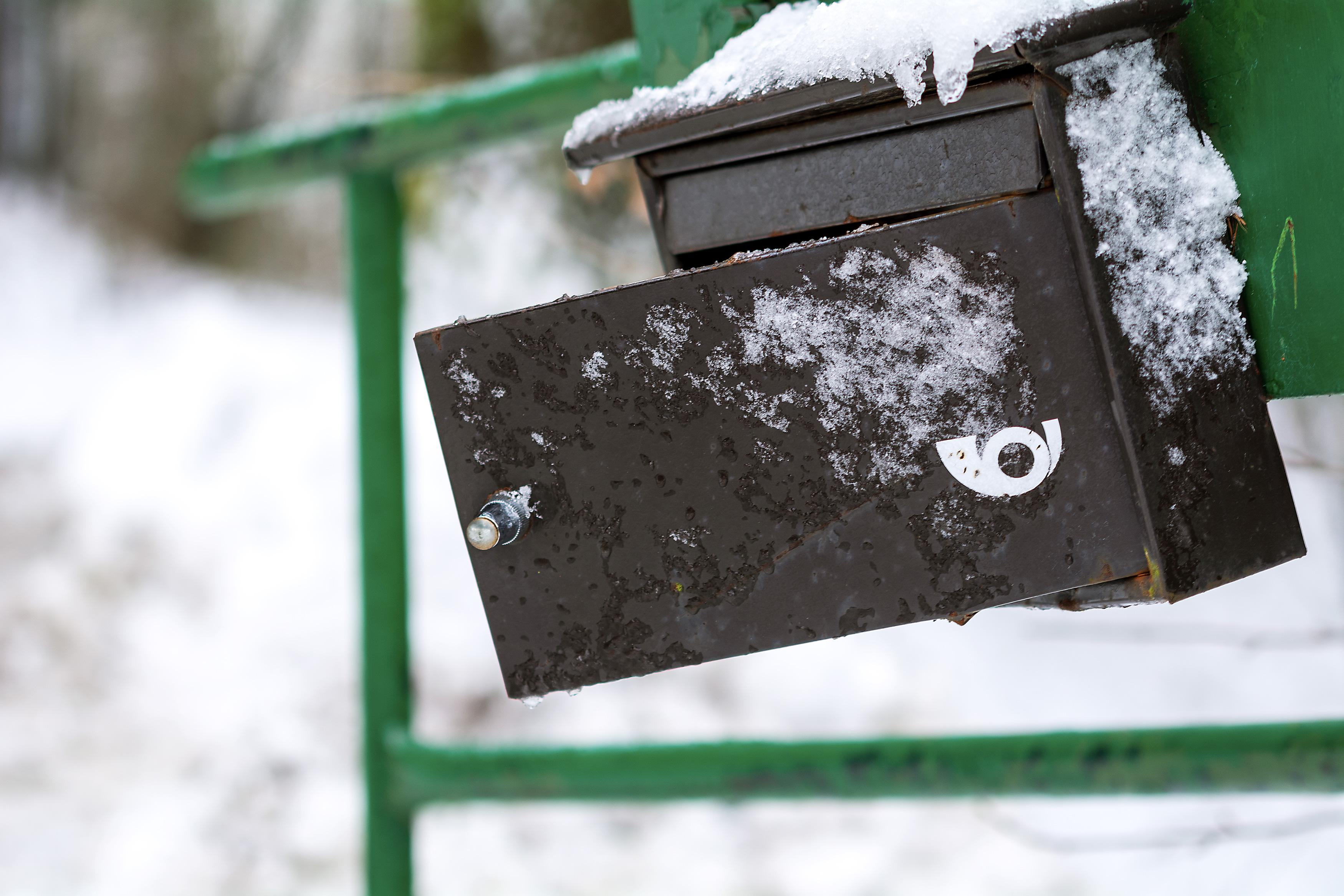 Open Mailbox in Winter | Free Stock Photo | LibreShot